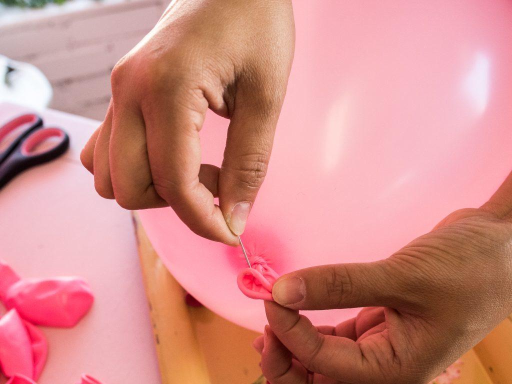 DIY Balloon Garland Tutorial
